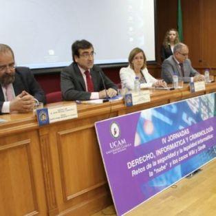 Conferencia Derecho Informática en la UCAM